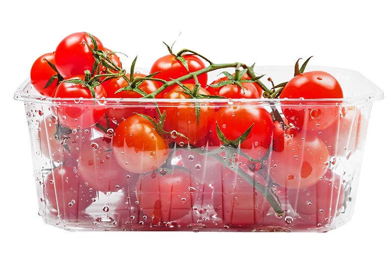 Vacuum-formed-food-packaging containing tomatoes